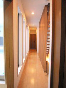 二階の廊下の写真