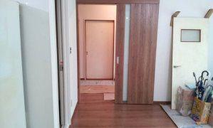 リフォーム中のドアの写真1