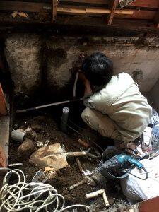 水道屋さんによるお風呂の配管工事