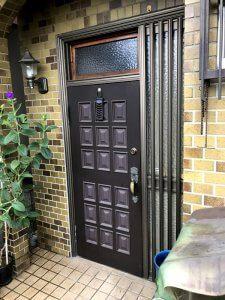 リフォーム前の玄関ドア。