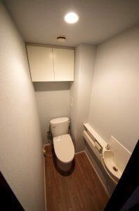リフォーム後のトイレの全景(トイレのフタは閉じられている)