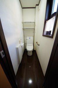 2階のトイレ(リフォーム前)