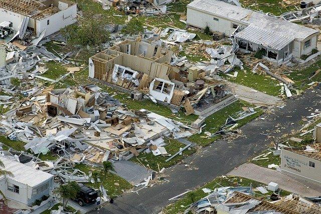 お家を台風から守るには?
