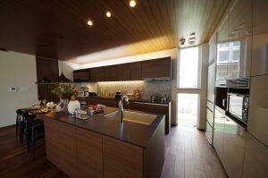 キッチンの向きを変えるリフォームの費用・期間は?